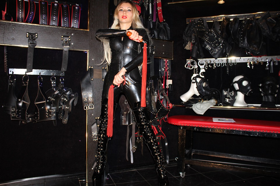 Mistress Emma The Hague, Safe words
