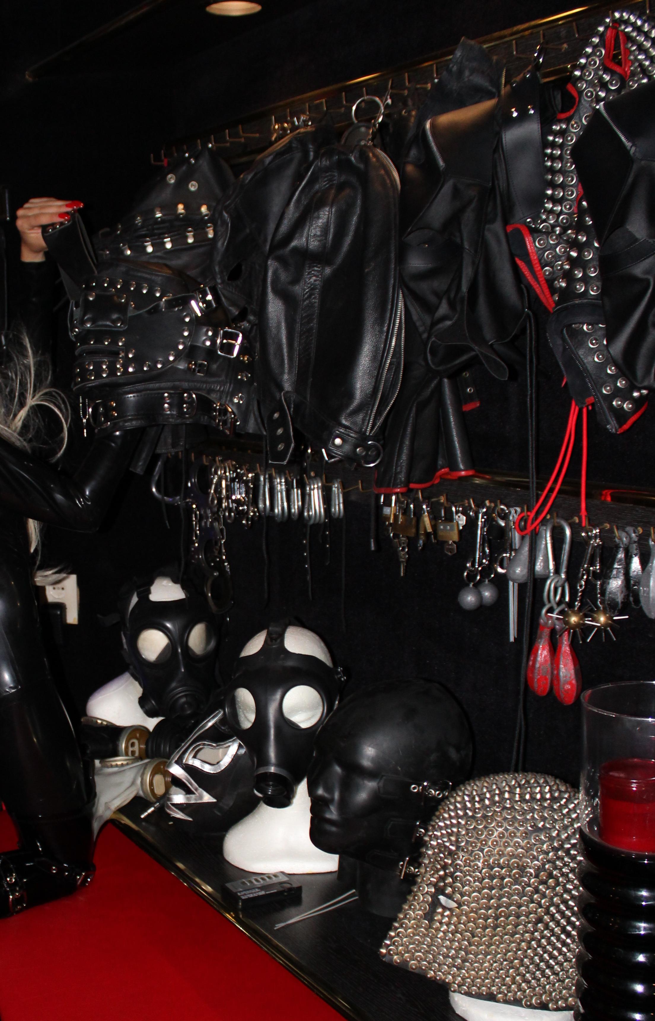 Mistress Emma The Hague, Meesteres Emma Den Haag, Masks, Sensory deprivation