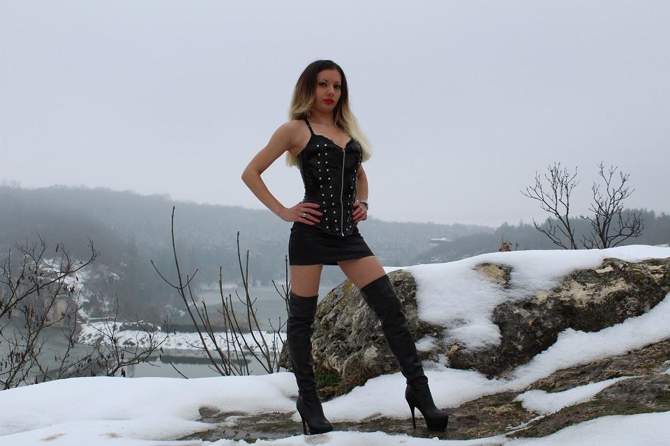 Mistress Emma, Personal shopper