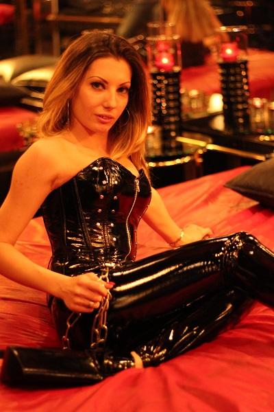 Meesteres Mistress Emma KLEINE FOUT, GROTE GEVOLGEN!